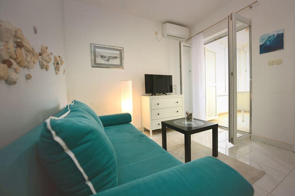 Blue Apartment On The Beach-Apartments Gogs - Novalja