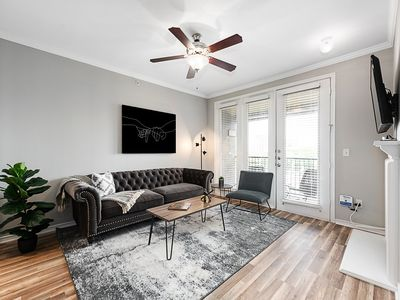 Photo for UPTOWN One Bedroom Apartment With Balcony