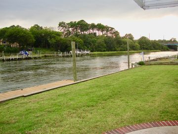 Private Waterfront Home Minutes To Beaches, Attractions, Restaurants, Shopping