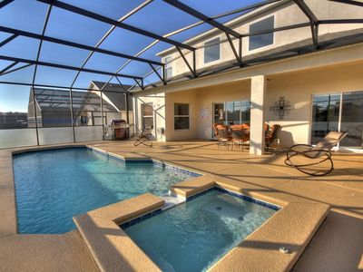 Private Pool, Free pool heat (Solar Panels), SS BBQ, outdoor seating with table