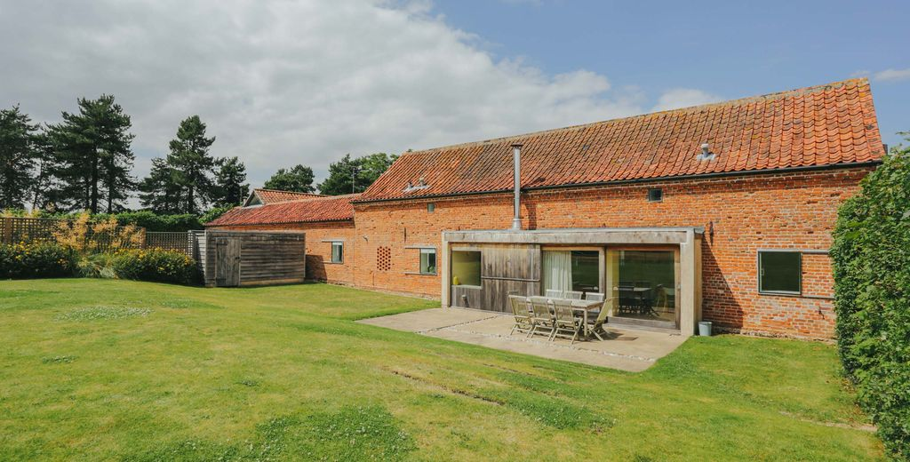 Hall Barn, North Norfolk: Hall Barn is a 5* family and dog-friendly holiday  ... - 8447842
