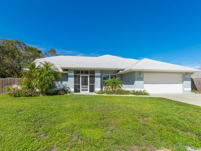Photo for 3 bedroom, 2 bathroom home offers a sparkling pool to cool off under the rays of the Florida sun!