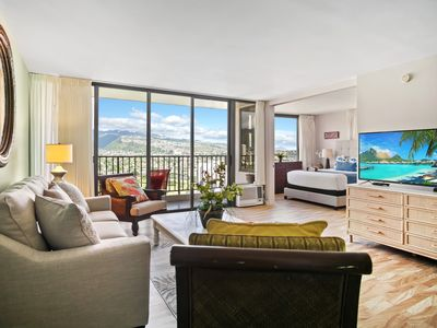 Photo for Darmic Waikiki Banyan: Deluxe - Mountain View  |  29th floor  |  1 bdrm  | FREE wifi and parking  | AC | Quality amenities | Only 5 mins walk to the beach!