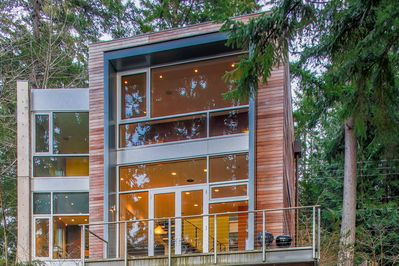 Exterior - Welcome to Bainbridge Island! This property is professionally managed by Turnkey Vacation Rentals.