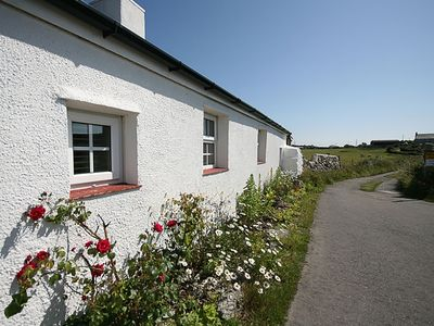 Photo for FARM COTTAGE, pet friendly, with a garden in Cemaes Bay, Ref 1008823