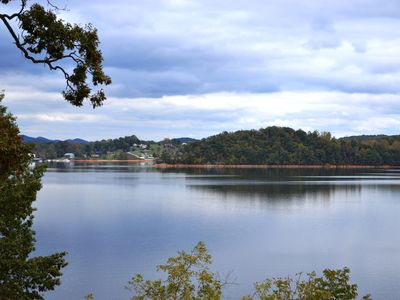 Photo for BUNGALOW ON THE LAKE - Centrally Located to All Tri Cities
