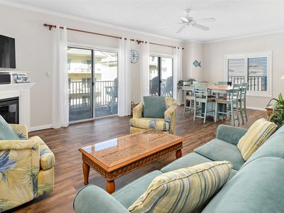 Beautiful 3 Bedroom Ocean Block Whispering Sands Condo with Outdoor Pool!