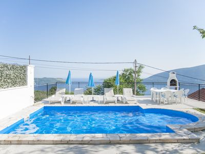 4 Bed Villa with Swimming Pool and Stunning Sea Views