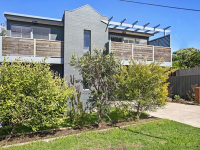 Photo for GRANDVIEW BEACH HOUSE, BARWON HEADS