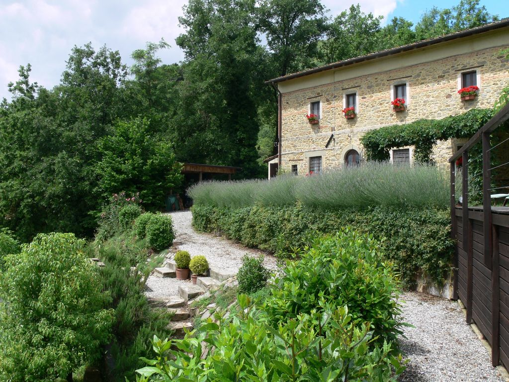 La Spinosa Beautiful Tuscan Farmhouse With Stunning View And