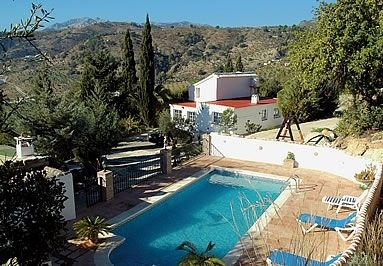 Photo for 4 bedroom Villa, sleeps 9 with Pool and FREE WiFi