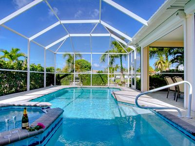 Cape Coral Beauty!  4BR/4BA Boater's paradise with Sunset Dreams!!