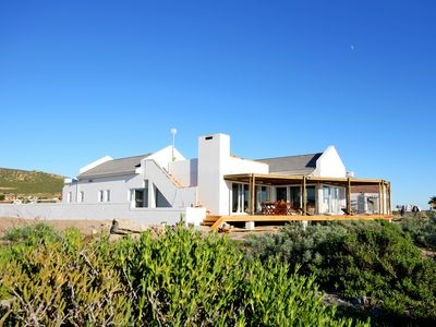 Photo for Petfriendly and family friendly self-catering accommodation on the beach!