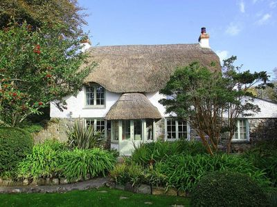 Photo for THATCH COTTAGE, pet friendly, with open fire in Coverack, Ref 959742