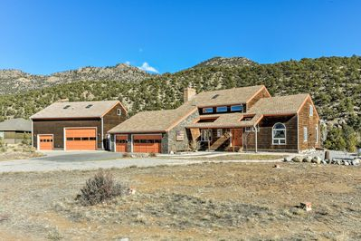 Make the most of your Colorado getaway at this 4-BR, 2.5-BA vacation rental.