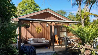 Photo for Titirangi, Auckland, quiet cottage