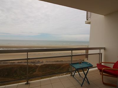 Photo for Sea view, studio-cabin on the 4th floor, for 4 people max.