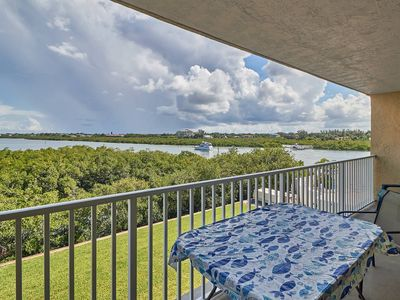 Photo for Renovated to the studs!  Beautifully decorated, walk to Beach FREE Wi-Fi and Cable!!