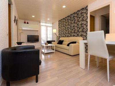 Photo for Apartment Eixample Dret Mallorca Lepant 02  in Barcelona, Barcelona - 5 persons, 3 bedrooms