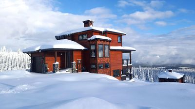 Photo for Powder Peaks - Luxurious Ski-in Ski-out Chalet on Feathertop