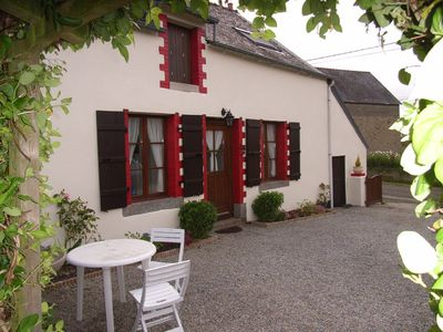 Photo for Luxurious Family Farmhouse With Rural View, Changeover is flexible. Pets welcome