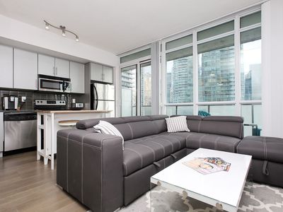 Photo for Luxury Downtown Toronto Suite - Fast Wifi/Balcony