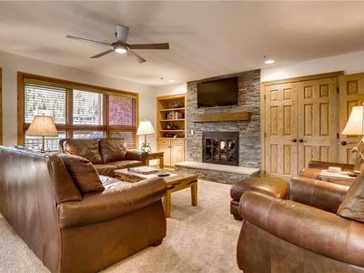 Photo for Mountain view condo in ski-in/ski-out complex with shared pool & hot tub