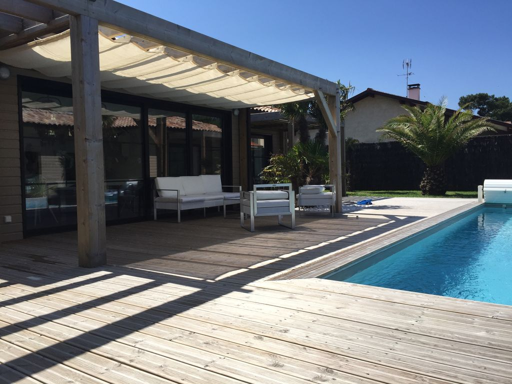 Top VILLA AMBIANCE , STYLE CALIFORNIEN , Contemporain. Piscine  QT42
