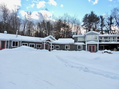 Photo for Group-friendly White Mountain Lodge only minutes from I-93, sleeps up to 8
