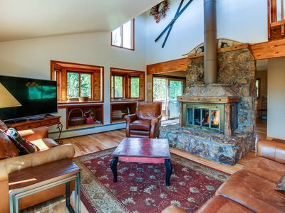 Photo for Gorgeous mountain home w/ views, private hot tub & sauna - close to the slopes!