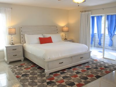 Photo for Prime Location on Siesta Beach, Includes everything, you possibly want!