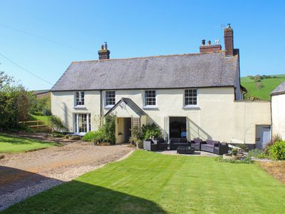 Photo for Traditional Farmhouse Close To Beautiful Beach between Hope Cove & Thurlestone