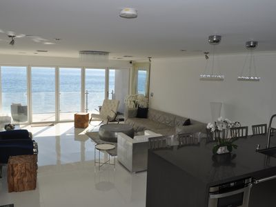 Photo for 4+4 Malibu As Close To The Water As It Gets! Beach Paradise, Dreams Made Here...