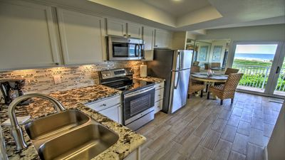Newly remodeled, fully equipped kitchen!