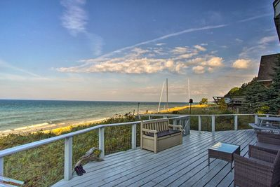 This vacation rental cottage in Montague is calling your name!