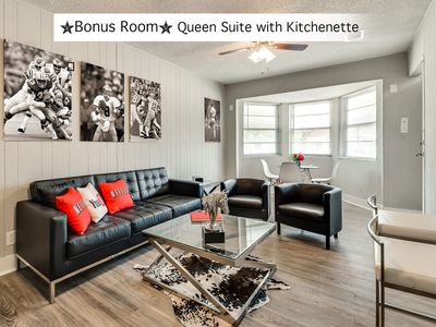 Photo for Arlington, TX ♥️Comfort & space at its BEST♥️ Close to AT&T, Ballpark, Six flags