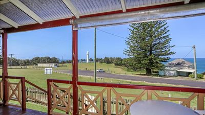 Photo for Yamba Pilot Cottage 1 - pets welcome