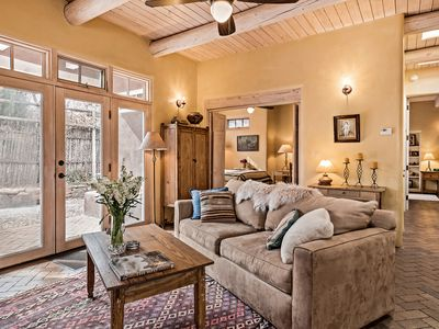 Photo for Antonia - Stylish and Cozy Retreat blocks from  Canyon Rd.