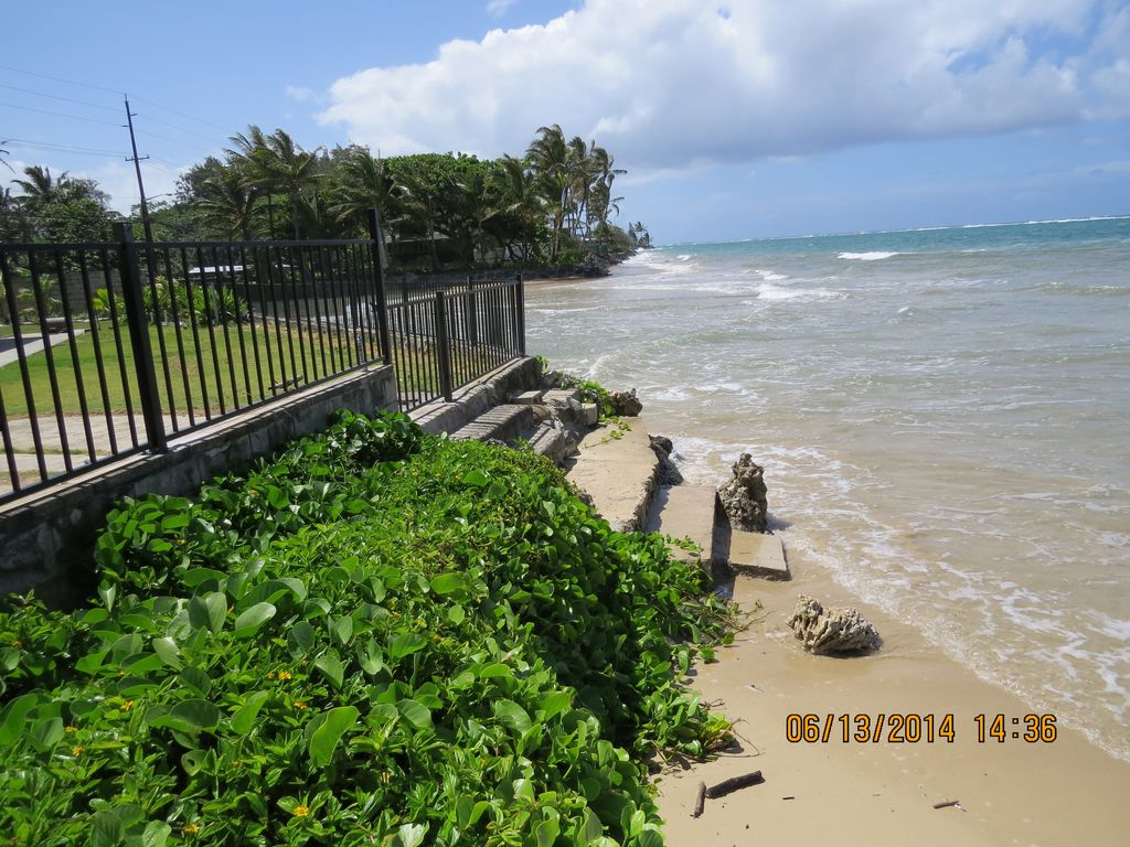 Hauula House Al 3 Steps Down To The Beach From Back Yard