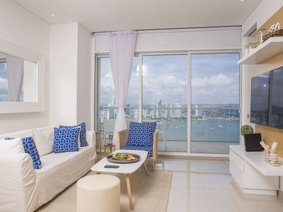 Photo for Stylish Apartment w Great Views H2/Hyatt Cartagena