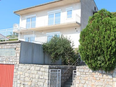 Photo for Beautiful apartment in villa for six people with WIFI, A/C, panoramic view and parking