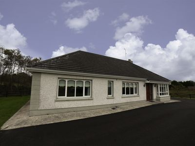Photo for Detached Bungalow for 6