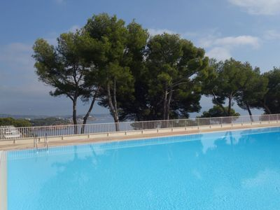 Photo for One bedroom Apartment, sleeps 2 in Bandol AOC with Pool, Air Con and WiFi