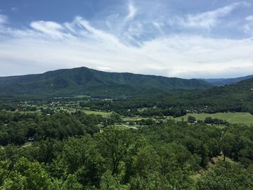 Cove Mountain Resorts (Wears Valley, Tennessee, United States)