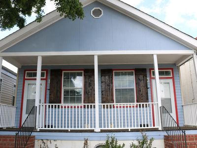 Photo for Charming Creole Caribbean in Mid City!