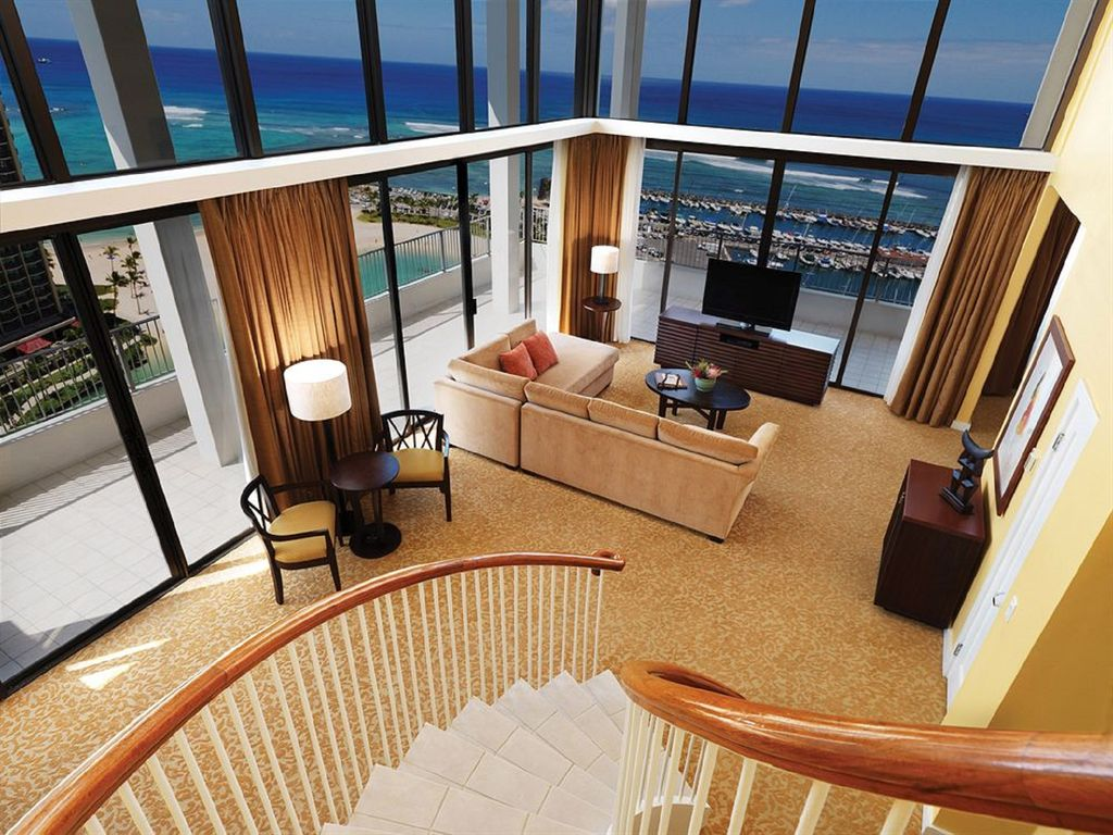 Two Story Penthouse Unit At Hilton Hawaiian Homeaway