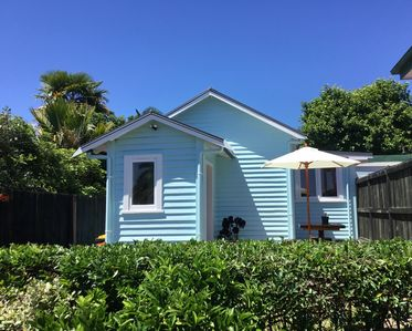 Photo for Stylish Cottage Close to Town and Redwoods