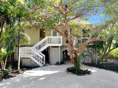 Photo for 3+ Bed/2 Bath, 2 Masters, Pool, Tennis Courts, Steps to Beach & Village