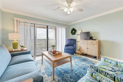Make Memories at Sea Place 11205 - Whether you're planning out your next day's activities in the the cozy living area or uploading pictures of the beach using the free wireless internet, you're guaranteed to have a memorable vacation experience!