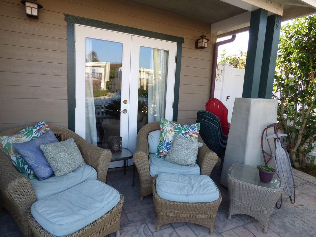 STUNNING CRAFTSMAN BEACH BUNGALOW IT HAS A